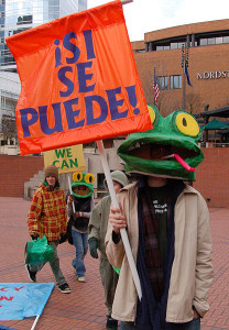 416px-Si_Se_Puede_Frogs